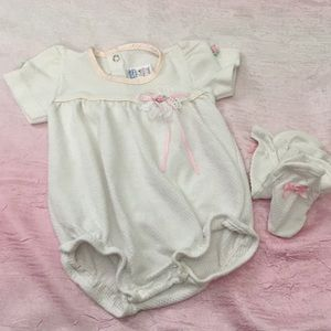 3/$18 Buster Brown One Piece W Booties Sz 3-6M